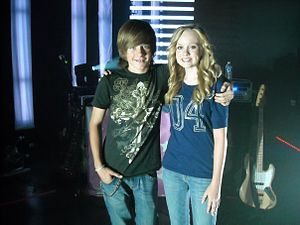 English: Lindee Link and Luke Benward in 2010.