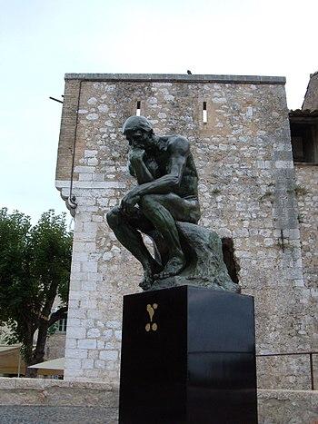 A replica of The Thinker in Saint-Paul de Venc...
