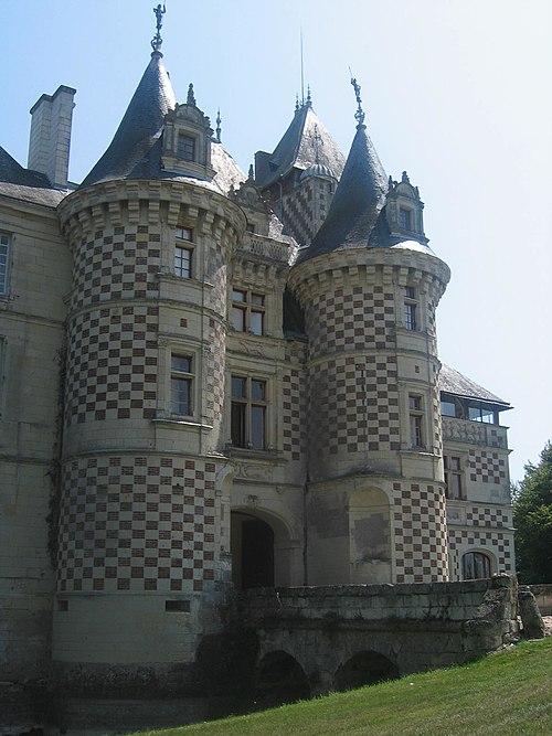 ChateaudesReauxHaupthaus01