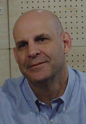 Français : Harlan Coben lors d'une séance de d...