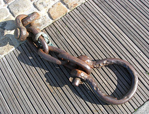 A well used shackle.