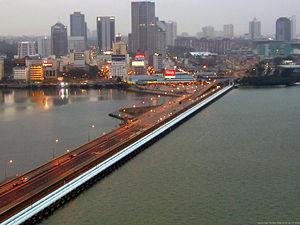 The Singapore-Johor causeway, spanning across ...
