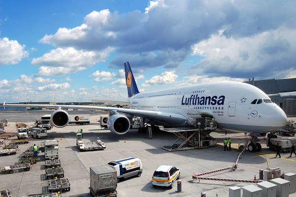 Aircraft ground handling - Wikipedia