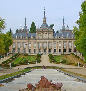 Juvarra's central section of the garden facade...
