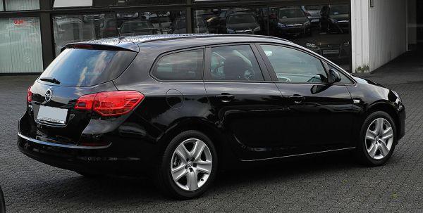 File:Opel Astra Sports Tourer 1.6 Design Edition (J ...