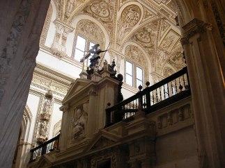 File:Trascoro - Mezquita de Córdoba.jpg