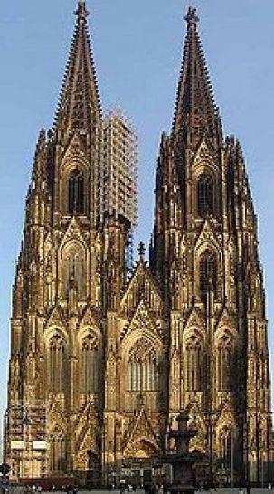 ドイツのケルン市にあるケルン大聖堂の参考画像