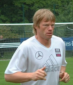 Oliver Kahn during training for Euro 2004