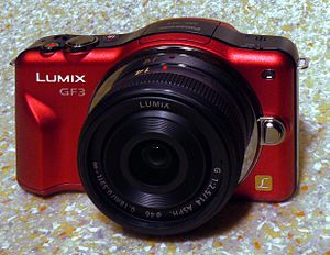 English: Panasonic Lumix DMC-GF3 digital camer...