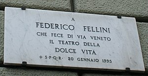 English: Plaque to Federico Fellini on the Via...