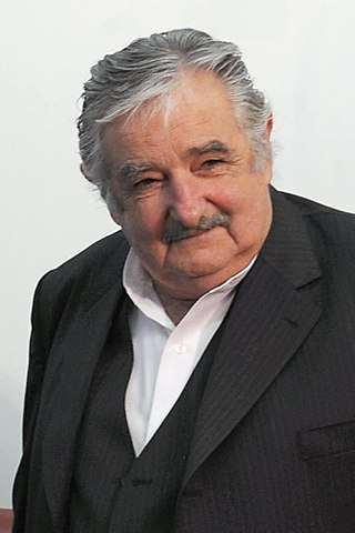 https://i1.wp.com/upload.wikimedia.org/wikipedia/commons/thumb/7/79/Pepemujica2.jpg/320px-Pepemujica2.jpg