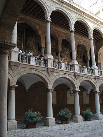 The courtyard of Palazzo dei Normanni in Paler...