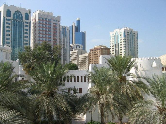 Abu Dhabi City vom Fort Qasr Al Hosn