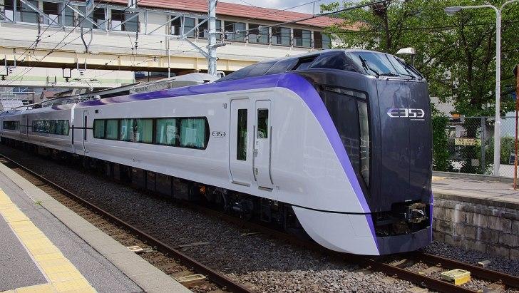 E353 series set S201 Kami-Suwa Station 20150729.JPG