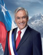 Piñera's official portrait for his first term as president.