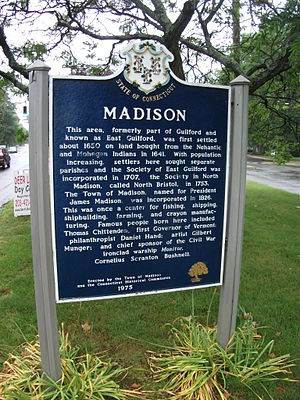 English: Sign in Madison, Connecticut