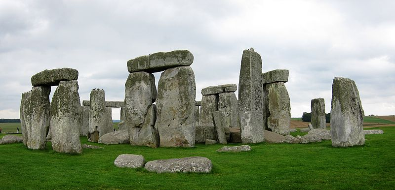 800px-stonehenge_ouest