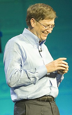 Bill Gates at CES 2007 (350043329).jpg