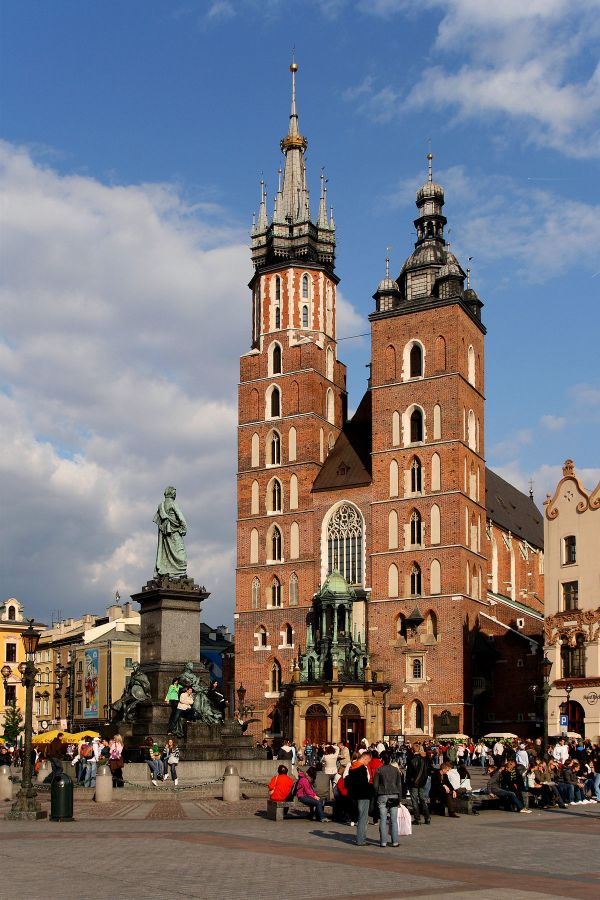 Basilique Sainte-Marie (Cracovie) — Wikipédia