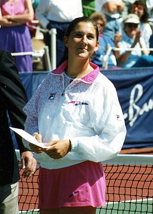 English: Monica Seles in 1991 Français : Monic...
