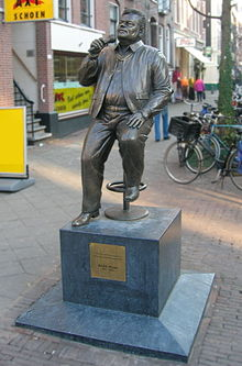 Statue of André Hazes in Amsterdam