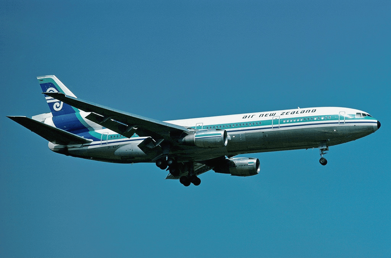 File:Air New Zealand DC-10-30 ZK-NZP LHR Jul 1977.png