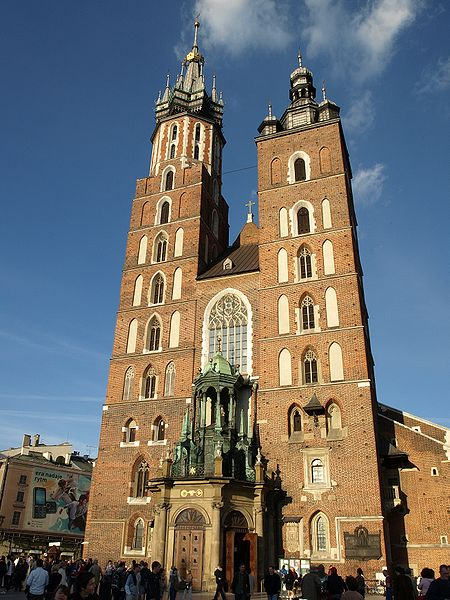 fasada kościoła mariackiego w Krakowie