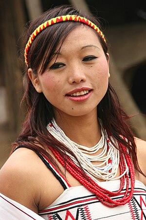 English: Yimchunger Naga people at the morung ...