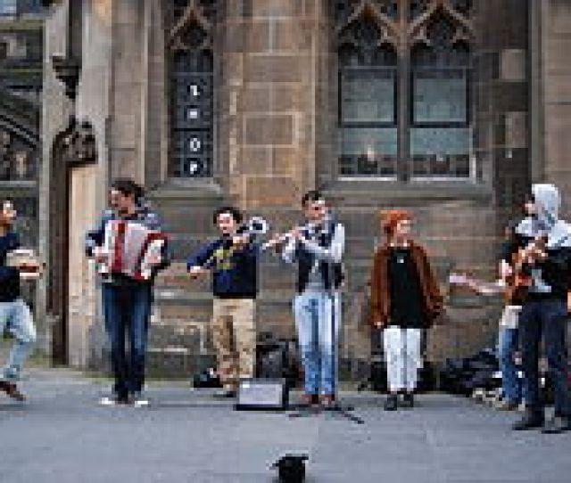 Italian Folk Musicians Performing In Edinburgh