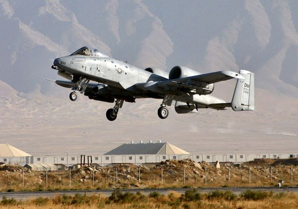 File:A-10 Thunderbolt II.jpg - Wikimedia Commons