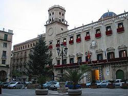 Vista del Ayuntamiento.