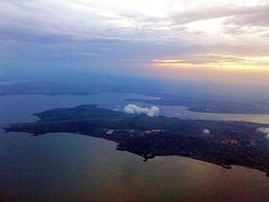 English: Aerial shot of the city of Entebbe an...
