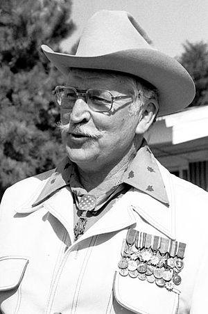 Retired Col. Lewis L. Millett wears his Medal ...