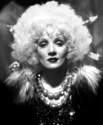 English: Marlene Dietrich in Blonde Venus