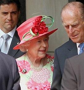 Queen Elizabeth Toronto 2010.jpg