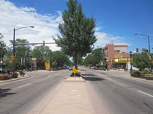 English: Looking north on Main St. at the 5th ...