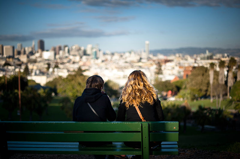 File:Dolores Park Bench.jpg
