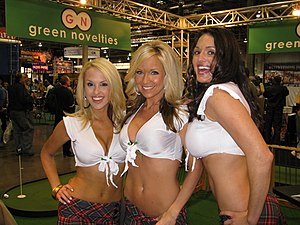 Lauren Brooke, unknown and Kellie Maines at Gr...