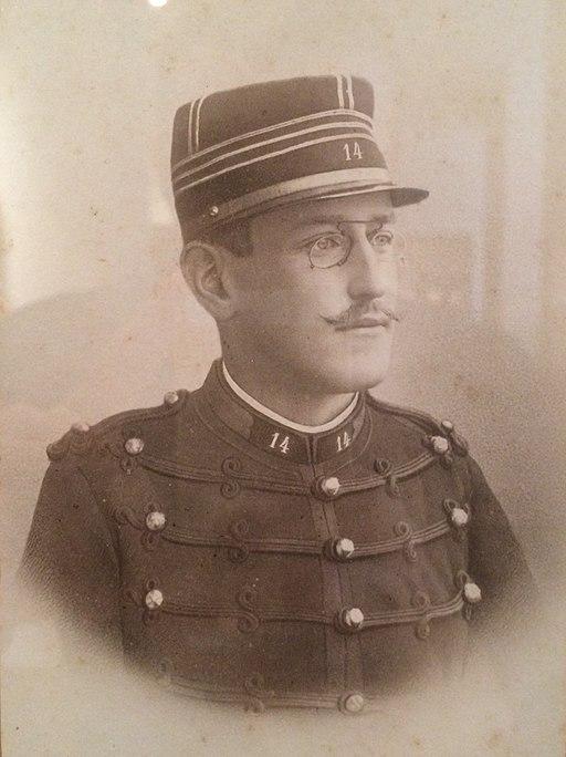 Alfred Dreyfus en uniforme, photographié par Aron Gerschel en 1890 - Musée d'Art et d'Histoire du Judaïsme
