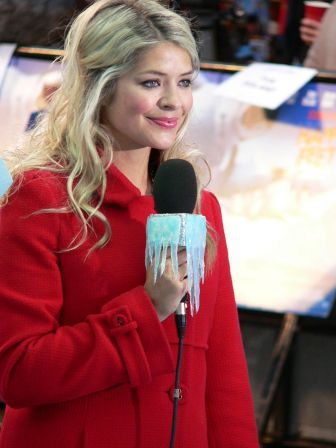 English: Holly Willoughby at Happy Feet Premiere.