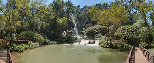 English: Kuang Si waterfalls, in the south of ...