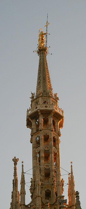 English: The Madonnina, symbol of Milan and of...