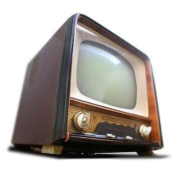 English: Hungarian television set from 1959. O...