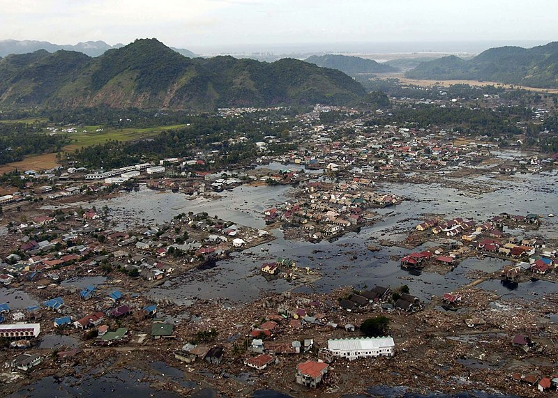 Αρχείο:US Navy 050102-N-9593M-040 A village near the coast of Sumatra lays in ruin after the Tsunami that struck South East Asia.jpg