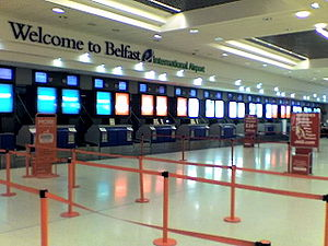 English: Terminal 1 check-in