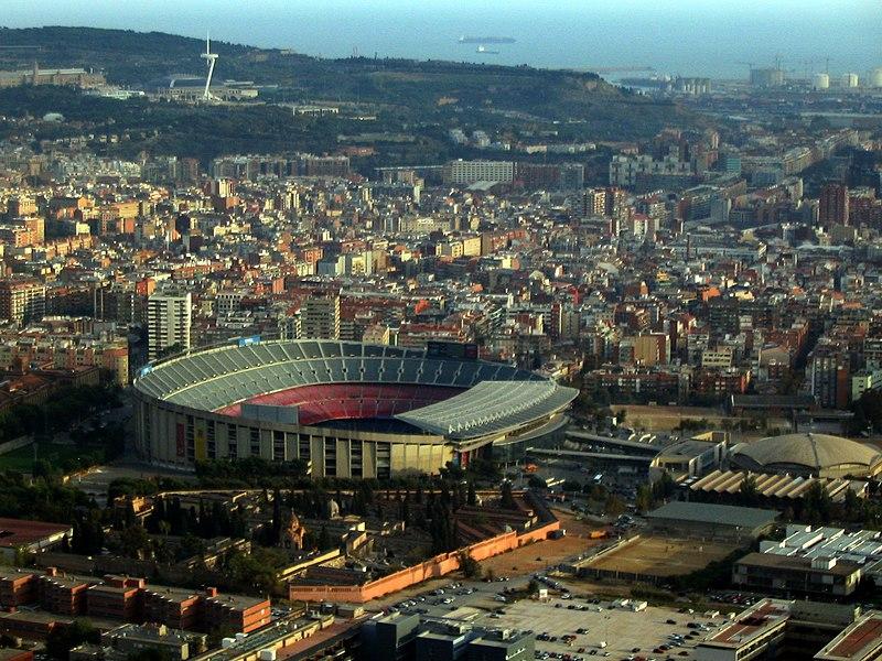 Ficheiro:Camp Nou des de l'helicòpter.jpg