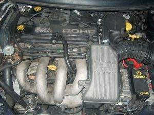 File:Chrysler 24L enginejpg  Wikimedia Commons