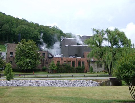 English: Image of the George Dickel distillery...