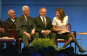 English: Former President Clinton with 2009 Li...