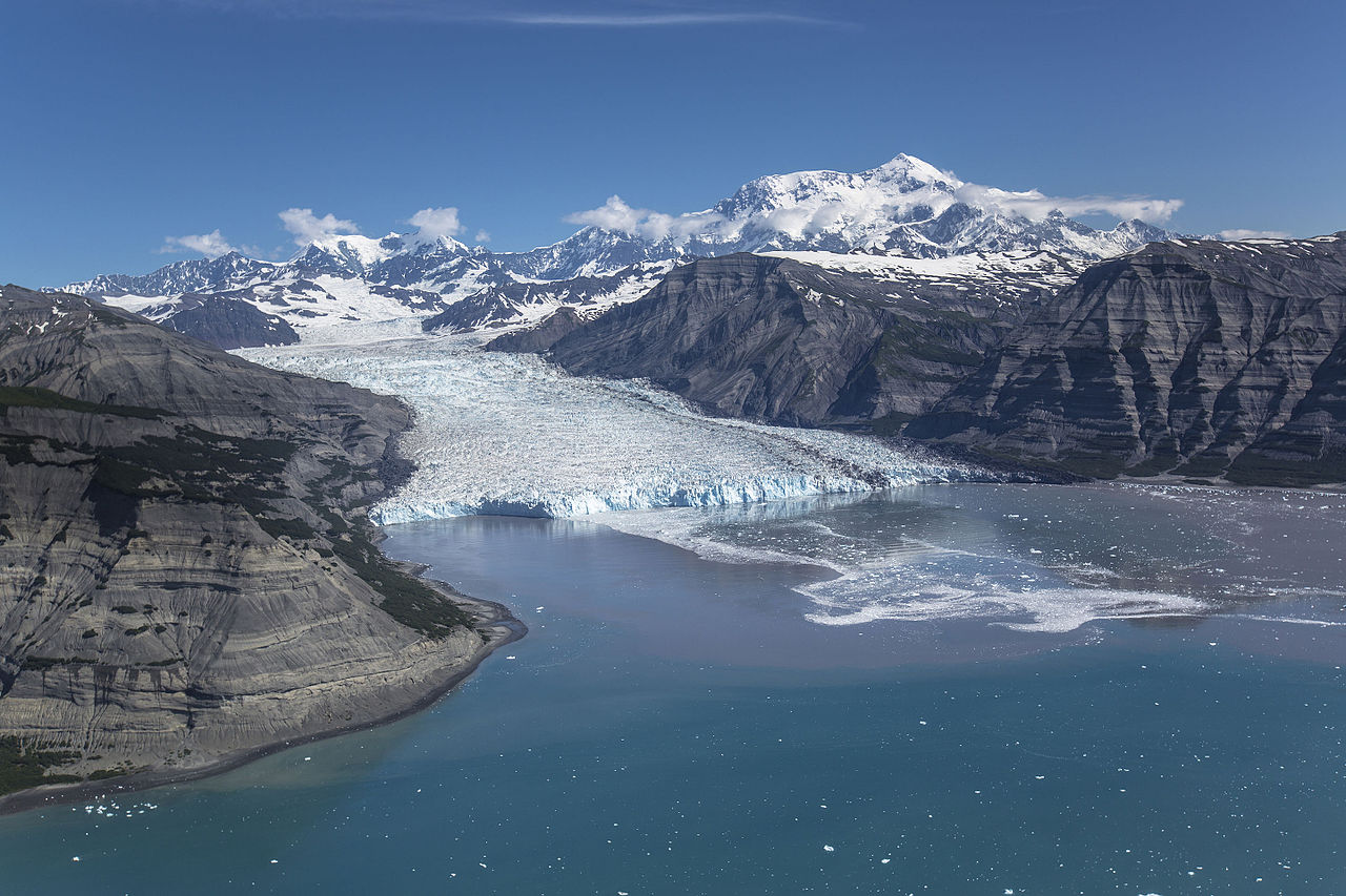 File Icy Bay Tyndall Glacier And Mount St Elias 2